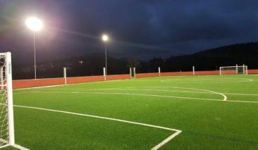 Iluminación cambio de fútbol en Navia